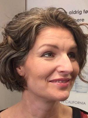 Makeover Sofie Herping med ny frisure og makeup