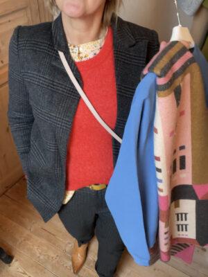 Stylistens Tips til at få gang i farverne i din garderobe